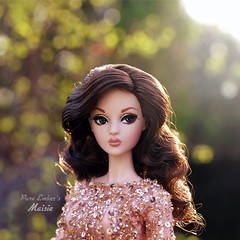 Early morning 💚 (pure_embers) Tags: pure embers doll dolls uk pureembers photography laura england fashion royalty toys mizi maisie embersmaisie pretty mizidoll brunette sunrise portrait