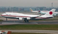 20-1102 - Boeing 747-47C - LHR (Seán Noel O'Connell) Tags: japanairselfdefenceforce jasdf 201102 boeing 74747c b747 b744 747 heathrowairport heathrow lhr egll ams eham jf001 aviation avgeek aviationphotography planespotting