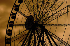 The horror wheel (stefanobosia) Tags: horror wheel ruota panoramica ruotapanoramica sky cielo fujifilm fujifilmxt20 ferriswheel outdoor