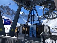 Saulire Cable Car (Marc Sayce) Tags: spring march 2019 mountains snow snowboarding skiing ski resort three valleys trois vallées savoy savoie courchevel