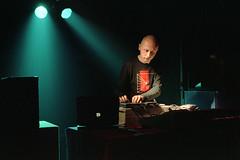 SCANNER (Robin Rimbaud) à la Mains d'Oeuvres (Saint-Ouen) en 2002 (ou 2003) (Joseff_K) Tags: leica leicam6 film kodak scanner robinrimbaud electronicmusic musiqueelectronique electronicmusician ordinateurportable musique vert green concert spotlight