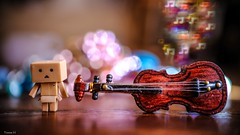 Music - 6465 (ΨᗩSᗰIᘉᗴ HᗴᘉS +49 000 000 thx) Tags: music musique crazytuesday música danbo fuji fujifilmgfx50s fujifilm bokeh color instrument violon toy belgium europa aaa namuroise look photo friends be wow yasminehens interest eu fr greatphotographers lanamuroise flickering
