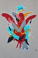 Mr Pee_1052 rue Piat Paris 20 (meuh1246) Tags: streetart paris animaux oiseau mrpee ruepiat paris20 chapeau belleville