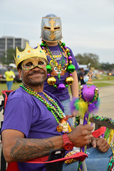 The king and his knight (radargeek) Tags: merchantsparade mardigras lakecharles la louisiana 2019 march parade kid child necklace scepter king knight