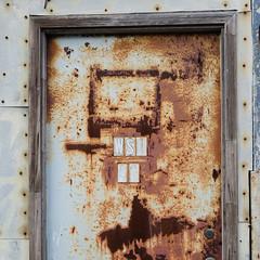 golden door (jtr27) Tags: dscf5114xl jtr27 fuji fujifilm xt20 xf 50mm f2 f20 rwr wr rust rusty metal door customhouse wharf portland maine newengland oxidation corrosion decay
