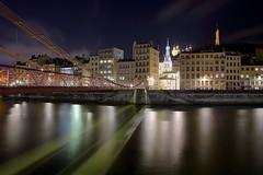 Altstadt Lyon (ploh1) Tags: lyon frankreich stadtansicht altstadt kirche nachtaufnahme langzeitbelichtung himmel wasser fluss spiegelung häuser architektur saône brücke eiffelturm beleuchtet lichter