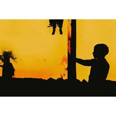 Seda Ünnü © (eyephotomagazine) Tags: photooftheday promote feature featured promoted photo photography streetphoto streetphotography streetphotograph streetphotographer colorstreet lightandshades light shades shadows colorphoto colorphotogrpahy colorful dreamstreet streetleaks urban urbanphotography magazine onlinemagazine publication publisher onlinepublisher onlinepublication eyephotomagazine