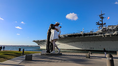 Sailor kissing Nurse (pboolkah) Tags: canon canon5d canon5dmkiv sandiego california unitedstates us