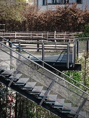2019-04-10-125737 (Schmidtze) Tags: architektur ausflug berlin berlinpankow berlinpankowprenzlauerberg detail farbe olympusem1markii olympusm12100mmf40 prenzlauerberg spaziergang stadt stair staircase treppe menschenleer