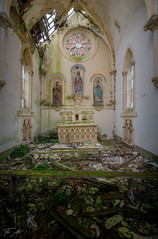 Lost Chapel (Fox Art') Tags: abandon architecture art abandoned aa patrimoine cars places beauty traveling decay urbaine urban décadence urbanexploration villa urbexart exploration photodaily grimnation hospital mindtravel photography vieux creepy urbex urbextrem urbexworld ruine irixlens sombrexplore rouille tvurbex voiture forgotten sfxurbex rusty irix crusty world lost religieux old down nikon