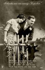 1915 Grußkarte mit Vorführpärchen (zimmermann8821) Tags: österreichungarn deutscheskaiserreich 1weltkrieg anzug damenfrisur bluse damenmode frisur haarband herrenfrisur herrenmode kleid atelierfotografie fotografie gruskarte postkarte