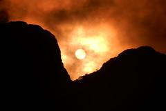 Nascer do Sol e Pico Taipabuçu (Sandro Helmann) Tags: ibitiraquire serradomar serradoibitiraquire taipabuçu taipa sun sol sunrise clouds nascerdosol nuvens montanhas mountains nature paraná campinagrandedosul