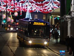 YT13HKY - Bridge Street, Stratford-upon-Avon, December 2018. (Iveco 59-12) Tags: johnsonscoaches johnsonshenley excelbus scaniaomnilink yt13hky scaniack230ub