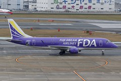 JA06FJ FUK 16.12.2018 (Benjamin Schudel) Tags: fuk fukuoka international airport japan fda fuji dream embraer erj emb ja06fj