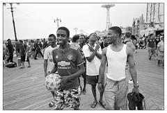 Coney Island, NYC - July, 2018 (_smith_) Tags: nyc coneyisland street tmax400 ilfotecddx14 28mmelmarit leicamp 20180704r2fr35