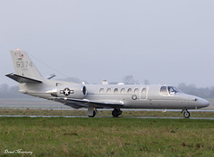 US Marine Corps UC-35D 166374 (birrlad) Tags: shannon snn international airport ireland aircraft aviation airplane airplanes taxi taxiway takeoff departing departure runway mist fog airforce military marine bizjet 166374 cessna uc35d c560 us corps usm