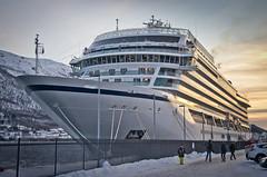 Viking Sky (SBA73) Tags: noruega norway norge troms tromso tromsø artic hivern winter creuer crucero cruise ship boat vaixell gegant gegantí giant huge large vikingsky vikingoceancruises port puerto harbour dock docked