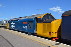 DRS 37409 Lord Hinton (Will Swain) Tags: norwich station 28th july 2018 norfolk town coast aga abellio greater anglia train trains rail railway railways transport travel uk britain vehicle vehicles england english europe great yarmouth drs 37409 lord hinton class 37