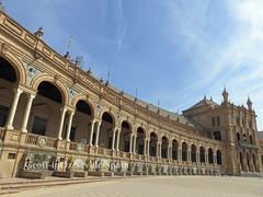 Colannade, Plaza de España, Seville, Spain (geoff-inOz) Tags: plazadeespaña seville heritage building historic architecture españa andalusia spain