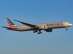American Airlines | Boeing 777-323/ER | N736AT (MTV Aviation Photography) Tags: american airlines boeing 777323er n736at americanairlines boeing777323er londonheathrow heathrow lhr egll canon canon7d canon7dmkii aa