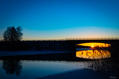 Sundsbro Sunrise [Explored] 2019-03-12 (bobban25) Tags: canon eos 80d efs18135mm f3556 is stm sundsbro sunrise soluppgång bridge bro blue blå sturefors water vatten sjö lake ärlången linköping östergötland sverige sweden scandinavia canoneos80d canon80d canonefs18135 early morning frozen silhouette siluett