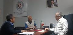 Con el Regidor de Salud de Santiago Huajolotitlán, Ulises Urrutia trabaja nuestro coordinador Heliodoro_hcde para llevar a cabo actividades en beneficio de la población en materia de ProtecciónCivil