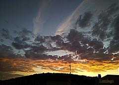 Hagamos de los atardeceres algo mágico *-* (Lumiago) Tags: atardecer nubes puestadesol