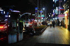 2302/1808 (june1777) Tags: snap streets seoul jongro night light canon eos 5d ef 35mm f14 1600 clear