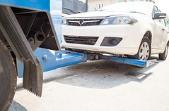 quality wheel lift tow truck (South Denver Towing Company) Tags: wheel lift tow truck denver