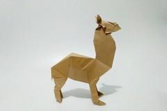 草泥马 (guangxu233) Tags: paper art paperart paperfolding fold animal alpaca origami origamiart 折纸 折り紙 折り紙作品
