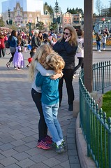At Disneyland Paris (Joe Shlabotnik) Tags: disneylandparis proudparents sue paris april2018 france disney everett eurodisney 2018 violet disneyland afsdxvrzoomnikkor18105mmf3556ged
