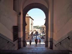 Urban Arch Torledo Spain (saxonfenken) Tags: 1117s 1117 arch torledo spain street people thuthearch perpetual gamewinner