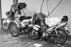 Soooo freakin' tired (gambajo) Tags: men people sleep sleepy tired street streetphotography motorcycle motorbike rickshaw transportation transport vietnam asia menschen strase schlafen müde männer mann motorrad hanoi
