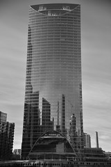 The snow cap building in Chicago-2019 (James J. Novotny) Tags: architecture chicagoarchitecture mirror reflection reflecting snow d750 nikon chicago downtown unlimitedphotos bw blackandwhite