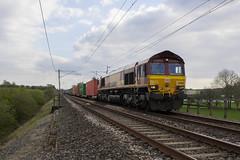 The sound of silence.... 66 088 near Elmsfield. (Marra Man) Tags: elmsfield westcoastmainline dbcargo class66 class660 4s38 66088