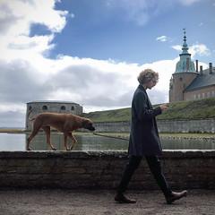 Good Boy (polybazze) Tags: fuji fujifilm fujifilmx100t kalmar sweden dog pet man mobile iphone castle medieval