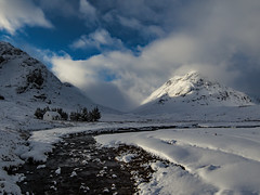 The White House - Glencoe (Craig Hannah) Tags: thewhitehouse glencoe whitecottage scotland glen mountain snow winter landscape river stream craighannah january 2019 trees photography photos canon view outdoors countryside uk clouds sky weather house westcoast beautiful hills outside lonely remote walking hiking