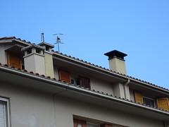 OLOT   Garrotxa (visol) Tags: chimeneas cheminées camino catalunya chamine catalogne catalonia cataluña chimney camini xemeneies xemeneie xemeneia xememeie tximinia tejados teulades tejas teulas tejado barbacana girona