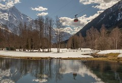 Son dernier reflet... (J&S.) Tags: france hautesavoie chamonix laflégère téléphérique reflet lac eau montagne neige montblanc