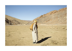 Le Maroc - Portrait (Vincent Karcher) Tags: berber maroc sheperd morocco desert people portrait world street atlas mountains sheep berger travel