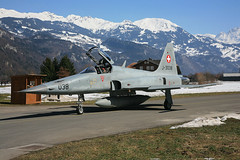 J-3038, Northrop F-5E Tiger II Swiss Air Force @ Meiringen LSMM (LaKi-photography) Tags: flugzeug jet plane avion fighter aircraft airport airbase aeroporto aeropuerto flughafen flugplatz luftwaffe airforce forcaaerea havalimanı havakuvvetleri northrop f5 tiger jagdflugzeug luftfahrt aviation aviación aviaciónmilitar military militär canon spotting самолет 航空機 аэропорт 空港 エアフォース ввс военновоздушные силы schweiz suisse switzerland swissairforce meiringen lsmm