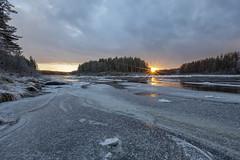 Laskun hetki - The moment of sunset (Janne Maikkula) Tags: joki auringonlasku vesi lappi jää molkoköngäs