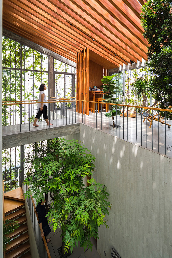 This Plant-Heavy Ho Chi Minh City Home for a Sunny Stretch of Kits