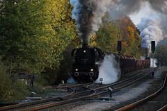 2018-10-20; 0231. ZL ETB 44 1486-8  en SL IGE Werrabahn 52 1360-8 met GZ 404. Marksuhl. Plandampf im Werratal, Dampffinale. (Martin Geldermans; treinen, Züge, trains) Tags: etb 4414868 igewerrabahn 5213608 werratal plandampf plandampfimwerratal dampffinale dampf dampflok dampfzüge deutschereichsbahn dr stoomtrein stoom steamlocomotive steamtrain stoomlocomotief heritagerailway heritagetrain heritagelocomotive museumspoor museumlijn museumeisenbahn museumlocomotief trein train zug goederentrein goodstrain güterzuge marksuhl