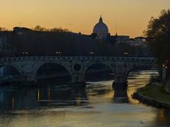 Crepuscolo romano (giorgiorodano46) Tags: marzo2012 march 2012 giorgiorodano roma italy tevere fiume river ponte bridge pontesisto crepuscolo dusk tramonto sanpietro cupolone