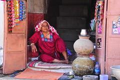 India - Rajasthan- Jodhpur (venturidonatella) Tags: india asia jodhpur portrait ritratto colori colors people persone gente gentes nikon nikond300 d300 donne donna woman women rosso red street strada streetscene streetlife sguardo look