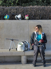The woman and her tame pigeons are back (pivapao's citylife flavors) Tags: paris france trocadero girl beauties streetartist
