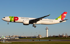 TAP Air Portugal (Guilherme_Martinez) Tags: sky summer sunset sun aircraft airbus airbuslovers planespotting passion follow followme family lisboa love lovers lisbon like cool clouds beautiful best landing