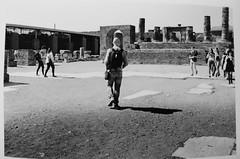 #pellicola #cameraoscura #passioneanalogica #darkroom #fomapan #rodinal (maria.marrella) Tags: darkroom fomapan cameraoscura rodinal passioneanalogica pellicola