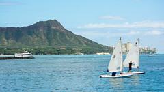 Boats crossing in front of Diamondhead on a sunny October weekend. (jdnx) Tags: alamoanabeachpark diamondhead sailboat